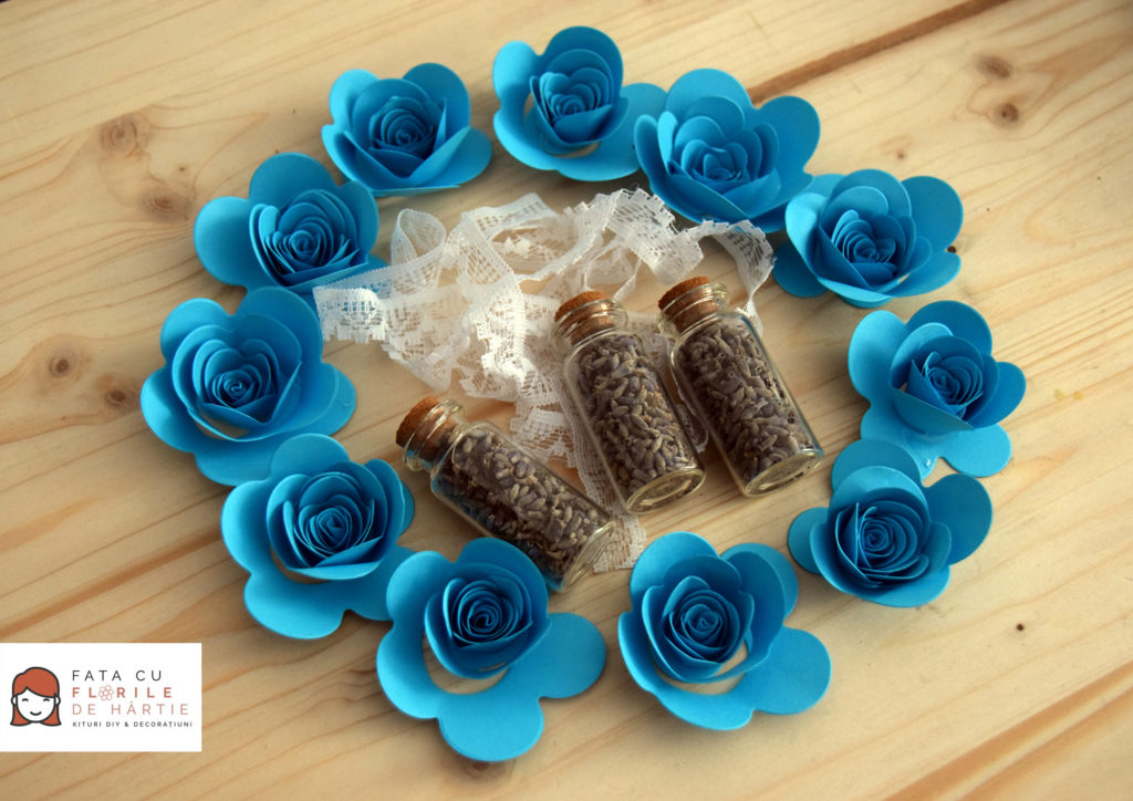Nunta DIY: Marturii handmade cu lavanda si flori de hartie