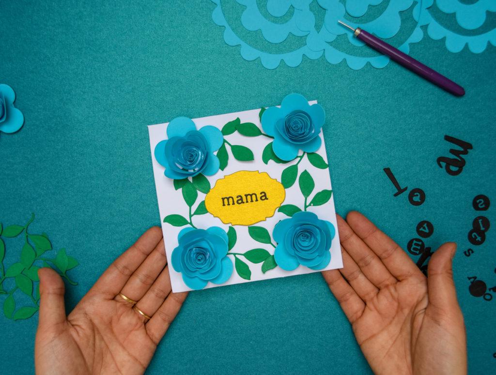 Felicitare Handmade de Ziua Mamei cu Flori de Hartie 3D